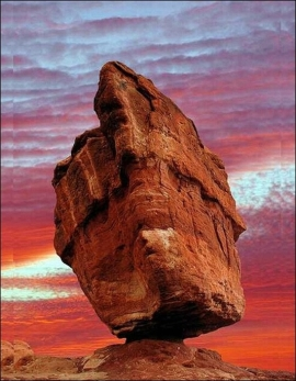 balanced_rock_colorado_usa