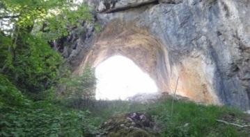 Polovragi-si-zonele-energetice-Tabara-16-19-mai-2013-Interad-Travel-Infinit-463x256